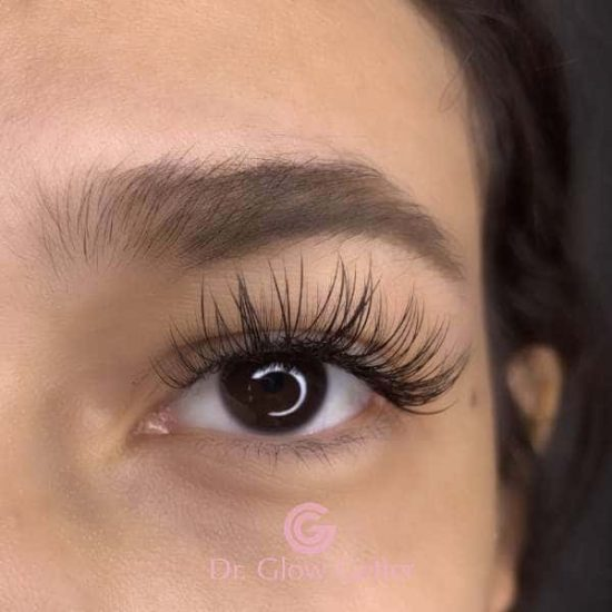 glam lashes look