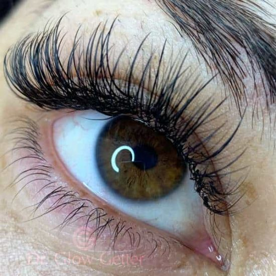 natural eyes with lash extensions